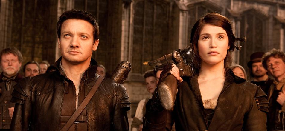 João e Maria com armas poderosas para destruir as bruxas!