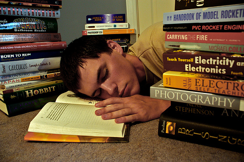 falling_asleep_while_reading_boring_books
