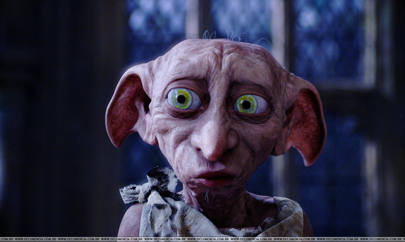 Dobby exemplo de elfo no universo de Rowling