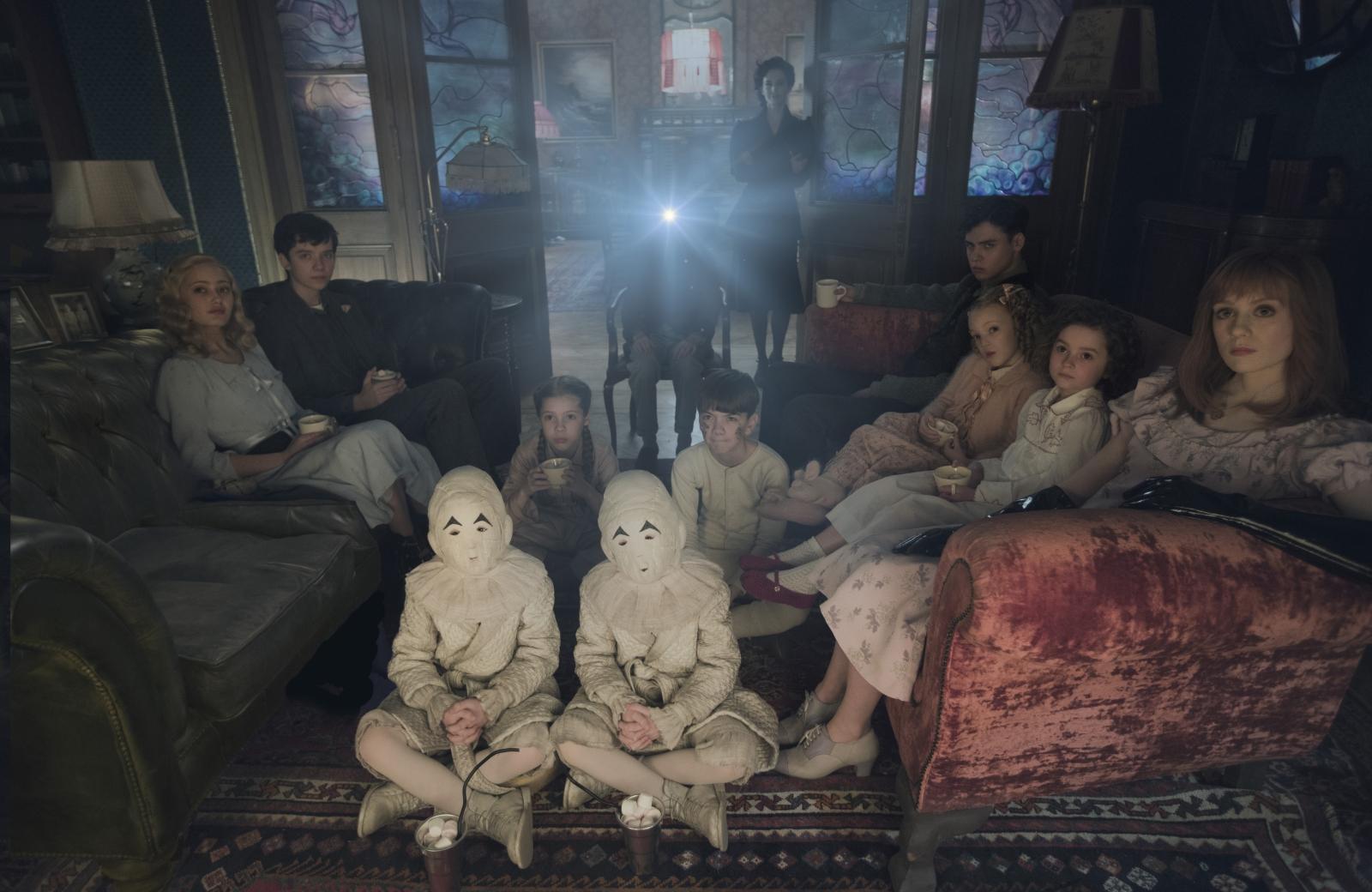 O Orfanato da Srta. Peregrine Para Crianças Peculiares-2